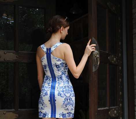 2015 New fashion ladies chinese tranditional blue and white porcelain sleeveless waisted dress