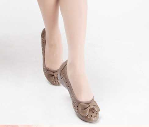 china lady beautiful new design fashion cheap elegant soft pure leather trendy flat no heel sole flower summer sandals 2014