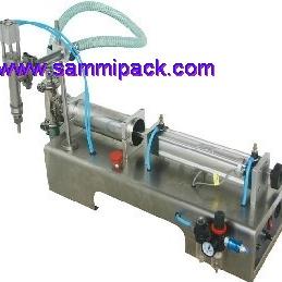 Pheumatic liquid filling machine