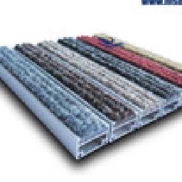 Polypropylene floor mat with anti-slip TPR Base