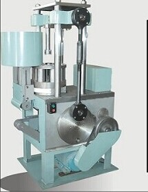 Automatic Pressing Pillar Candle Machine
