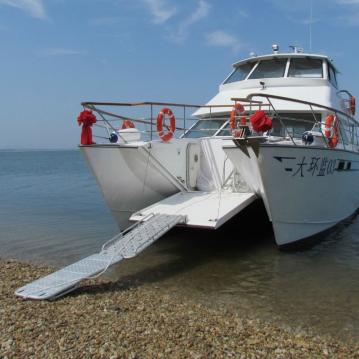 Aluminium catamaran commercial & bow door