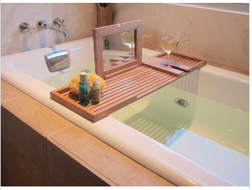new design 100% Bamboo Bathtub Caddy with mirror bathroom rack with Stemware holder wholesale