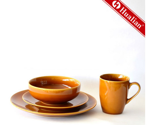 Simply and Solid Color Ceramic Stoneware Dinnerware Set For Promotional or Gift-giving