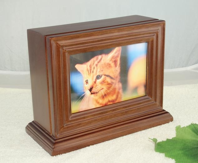 American style pet urns