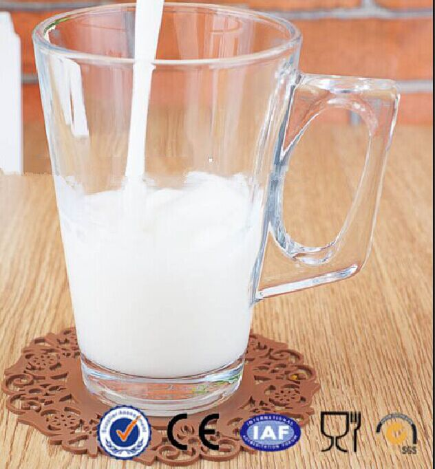 2015 Hotsale Milk Beverage Glass with Handle 230ml