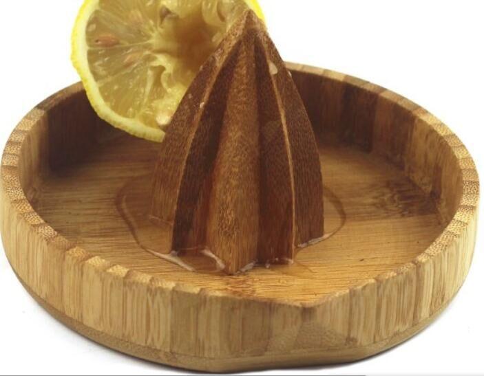 Round Bamboo Lemon Squeezer