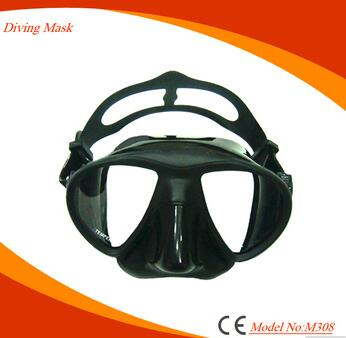 Black small volume scuba mask for spearfishing