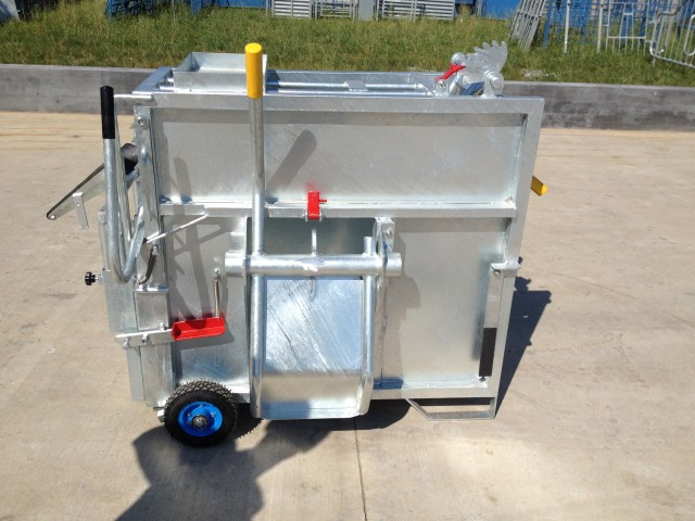 Mobile Calf Box