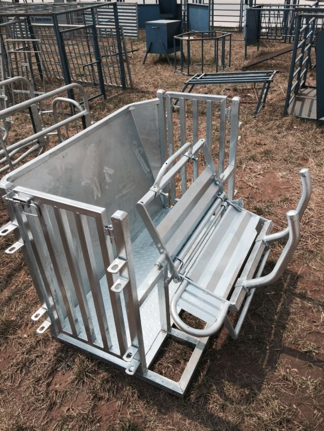 Hot Dipped Galvanised Mobile Sheep and Goat Catcher for Australia