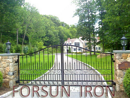 Anti-rust iron gate with powder coated finish