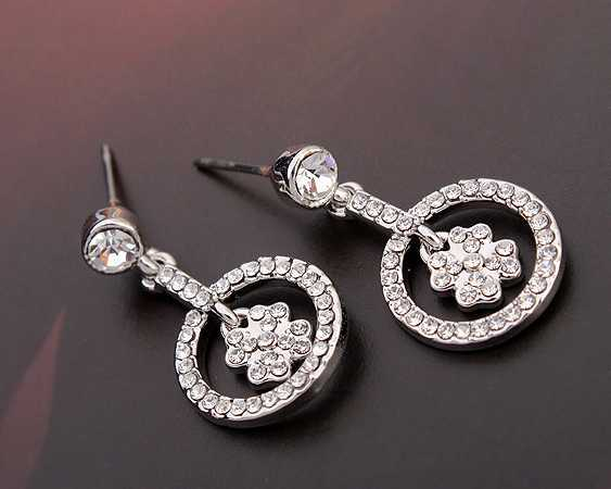 18K white gold plated earring lucky loop earring