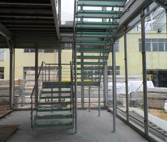 double stringer stainless steel straight stairs with glass treads