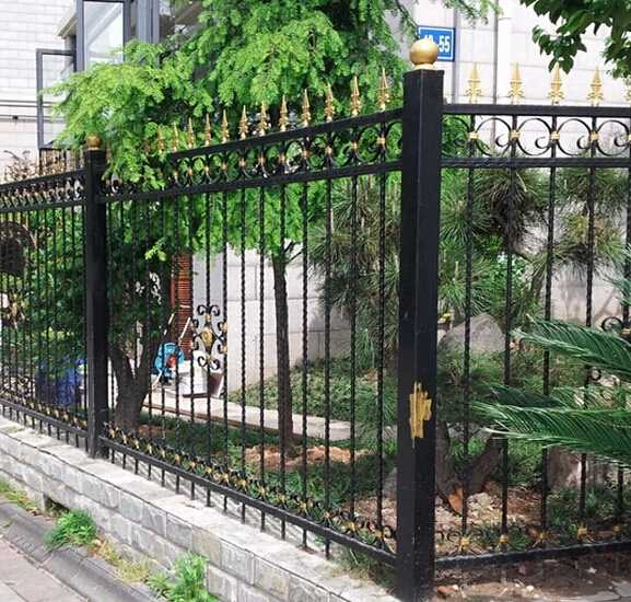 Factory Customized Cheap Wrought Iron Antique Steel Fence for Sale