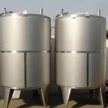 Stainless steel storage tank (used in dairy, beverage, bio-engineering)