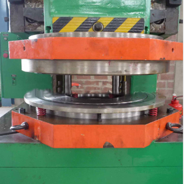 Top & Bottom Cover Mould in steel barrel produciton line