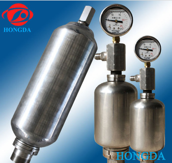 Stainless steel hydraulic pressure accumulator