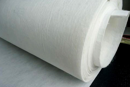 Asphalt felt base cloth of polyester filament