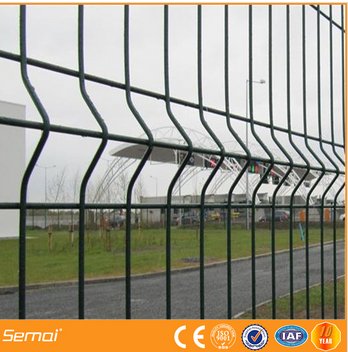 High Quality PVC coated welded curved Wire Mesh Fence