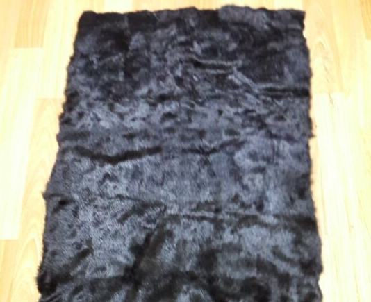 The natural rabbit fur collar look fashion and with competitive price