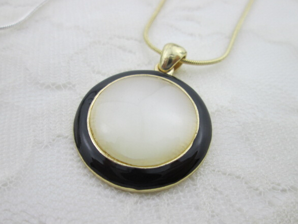 round enamel high quality cateye women necklaces