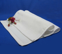 Plain white absorbent cotton warm towels hot