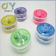 Hot sale Popular promotional flashing yoyo ball