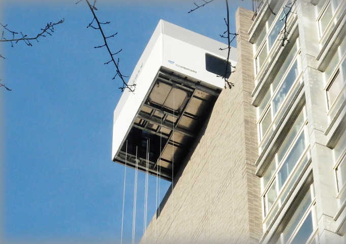 Non-electric high-rise rescue cabin