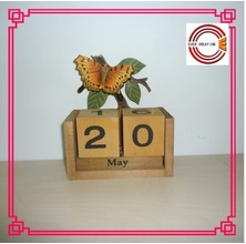 2015 new design butterfly wooden calendar