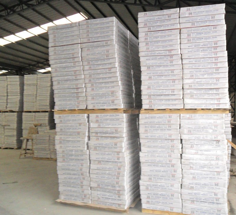 hot sale high strength Gypsum ceiling tiles /PVC gypsum painted ceiling widely application