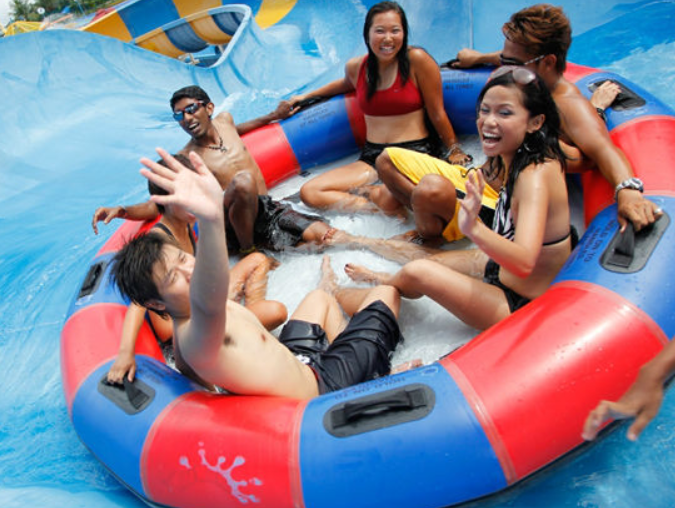 2014 new design 6 persons PVC swimming ring for slide