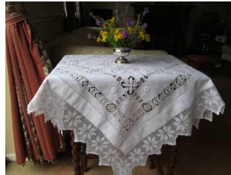 hot sale high quality embroidered flower design table cloth
