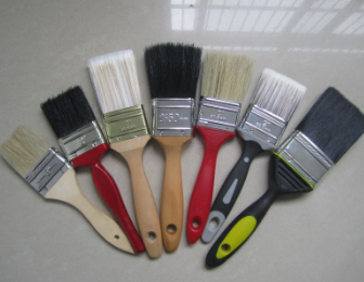 Paint brush with wooden handle
