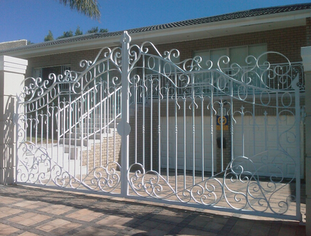Strong quality iron main gate designs