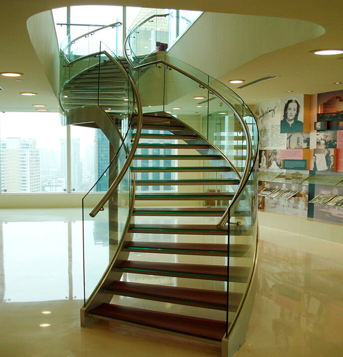 Steel modular staircases with glass railing