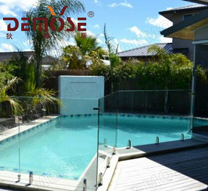 outdoor decorative pool fencing for villa
