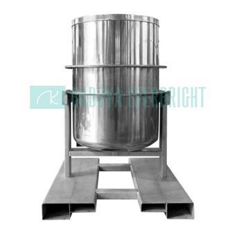 Sanitary stainless steel food blending tank