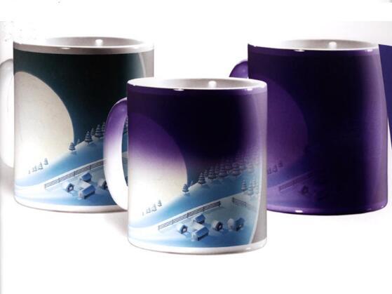 Hot water heat sensitive color changing mugs