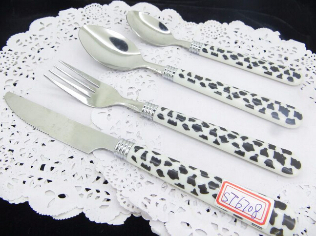 Spots Or Grid Plastic Handle Cutlery With Factory Price