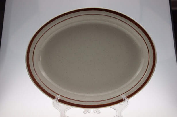 Oval Elegant Embossed Fish Plate with Narrow Rim