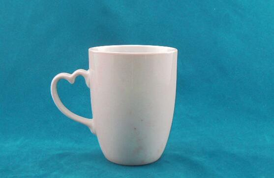 A Grade Coffee Cup With Heart Shape Handle