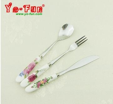 Dessert cutlery  with flower ceramic handle