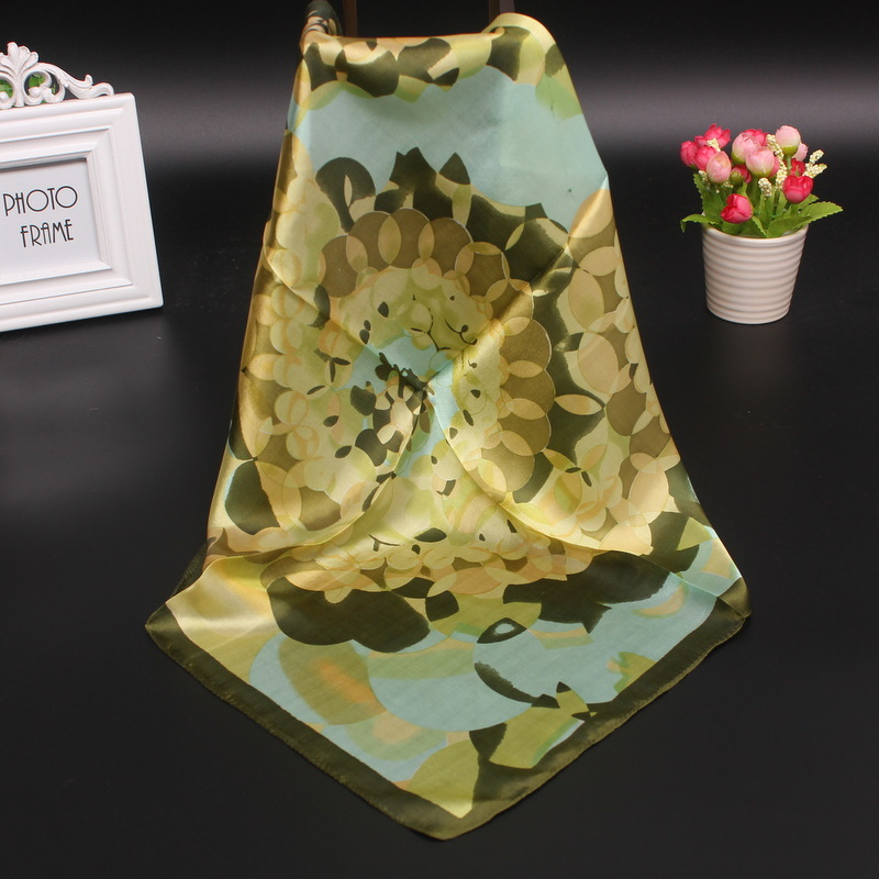 China high quality custom digital printing silk habotai 8mm scarf on line for sale