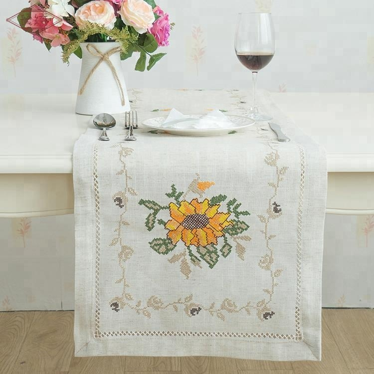 LongShow New Design Water soluble lace cross stitch Embroidered table cloth for sale