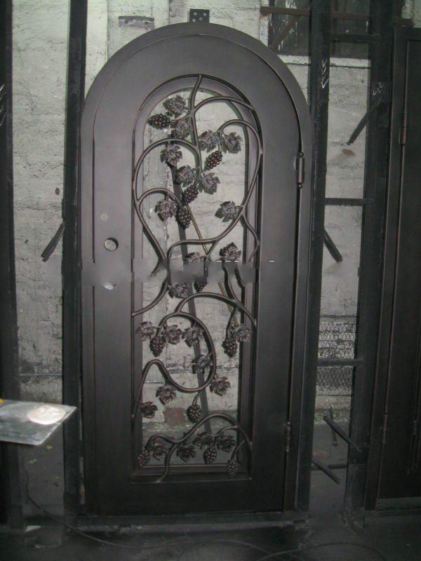 NC-nd035 Iron Wine Cellar Door