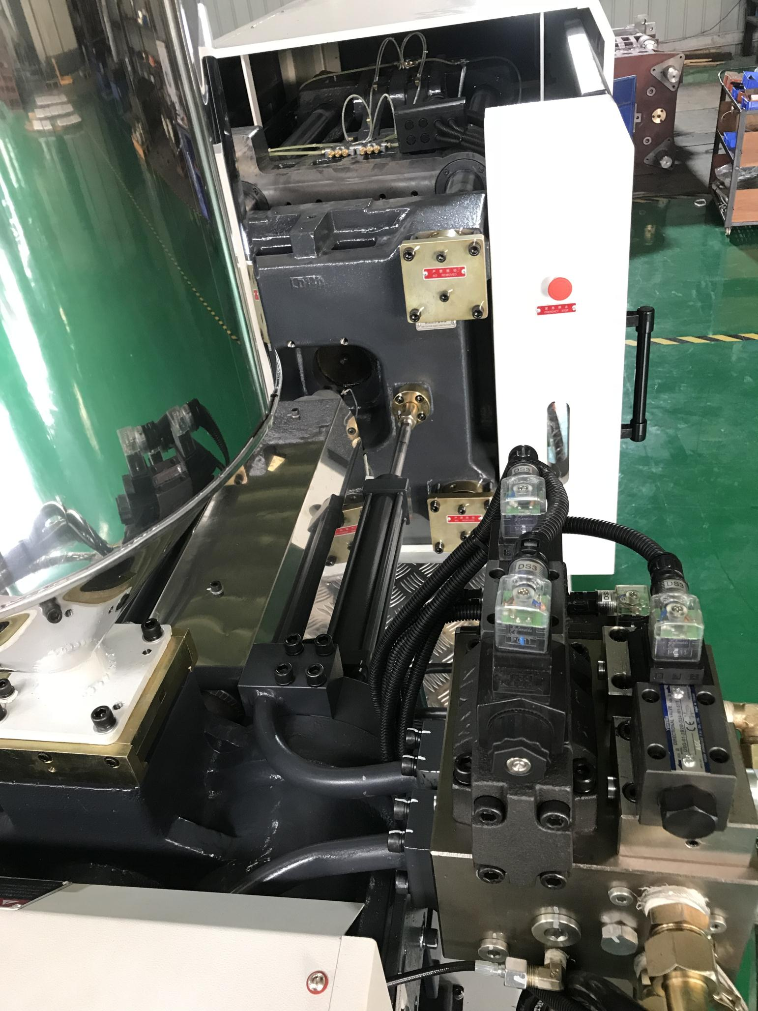 HC300 300Ton 3000KN Clamping Force General Purpose Plastic Injection Molding Machine