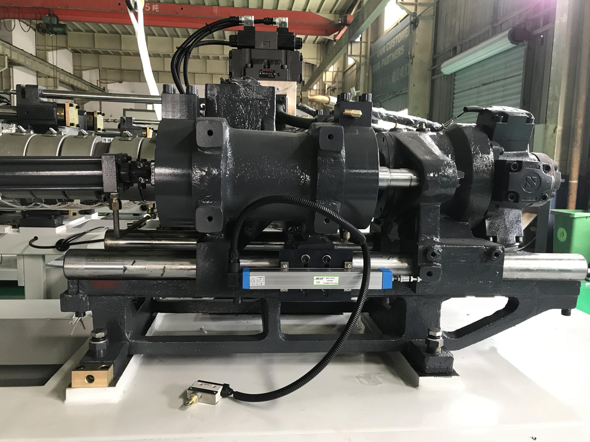 HC220 220Ton 2200KN Clamping Force General Purpose Plastic Injection Molding Machine