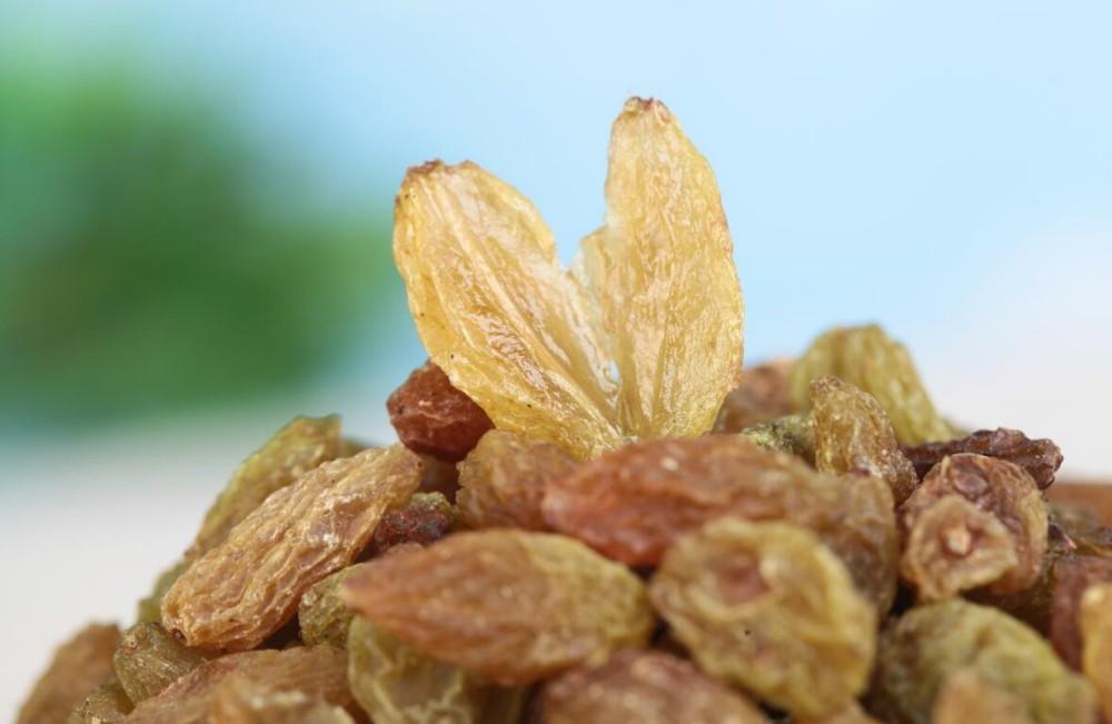 xinjiang cheap green raisins kishmish raisins factory bulk supply for sale