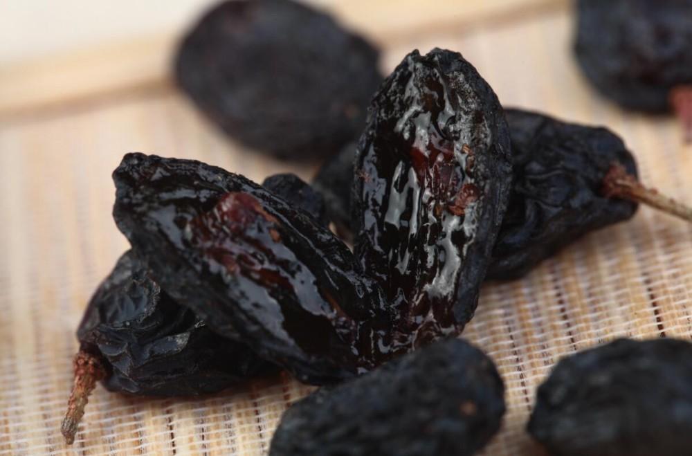 seedless Black Currant Raisin Xinjiang Raisin dried fruits for sale