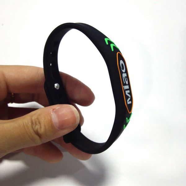 CXJBP-WD-0543 13.56mhz rfid wristband manufacturers wholesale price 13.56mhz custom waterproof rubber nfc silicone rfid wristband